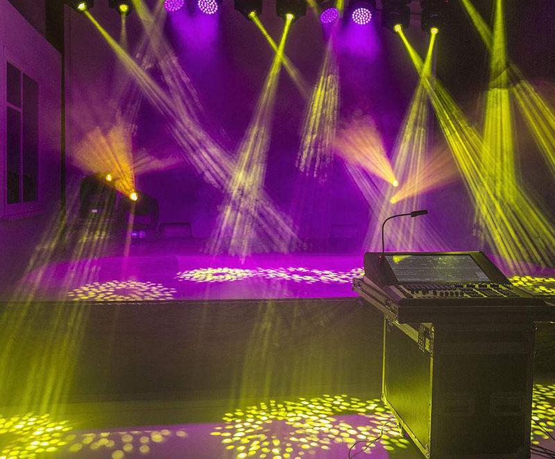 舞台灯光摇头灯